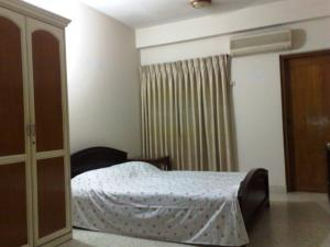 Fully Furnished Apartment At Banani (2000 Sq.Feet)