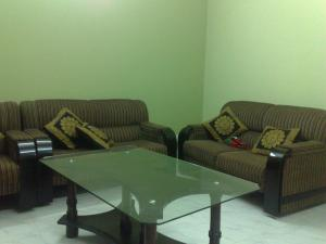 Fully Furnished Apartment At Niketon (1550 Sq.Feet)