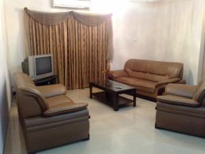 Fully Furnished Apartment At Gulshan (1600 Sq.feet)