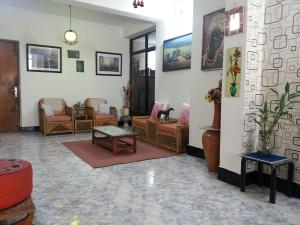 (5) Uttara, Sector-6: 1600 Sq.ft. (3 bed rooms) Fully furnished apartment for rent at Uttara, sector-6, Dhaka.