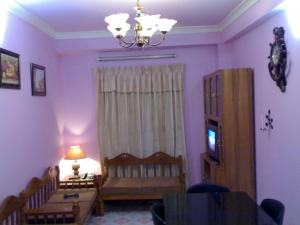 (6) Green Road :   750 Sft. (2Bed Room) Fully furnished apartment at Green Road, Dhaka