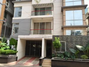NOW OCCUPIED in Mohammadpur, Babor Road:  2200 Sq.feet (3 Bed Room) Fully Furnished Services Apartment for rent at Babor Road, MohammadPur, Dhaka-1207.