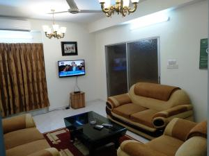 Available from NOW in Banani : 2200 Sq.feet 3 Bedrooms fully furnished apartment for rent at Banani