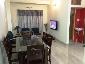 Occupied in Kalabagan, Dhaka: 1350 Sq.feet (3 Bed Rooms) Exclusive well Furnished Service Apartment