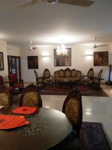 Available: NOW,      3850 Sq.feet. (4 Bed room) Exclusive Well Furnished Apartment for RENT at Gulshan, Dhaka-1212